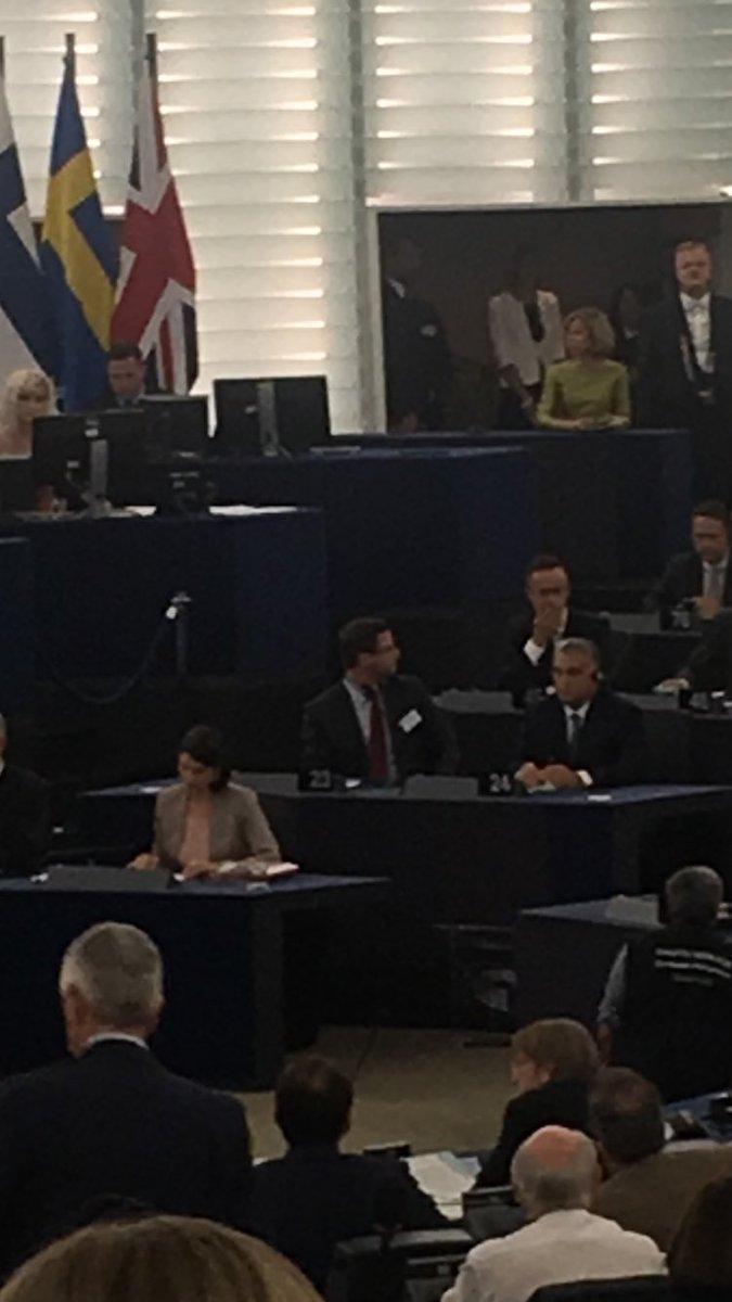 @ViktorOrban est arrivé au @Europarl_FR. Un discours très attendu sur la situation de la Hongrie.