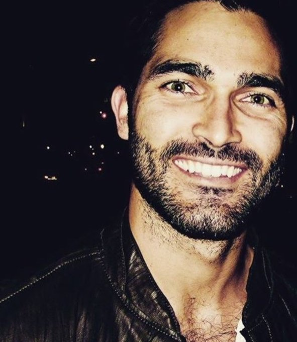 Happy birthday to the amazing, talented and gorgeous tyler hoechlin! (+31)