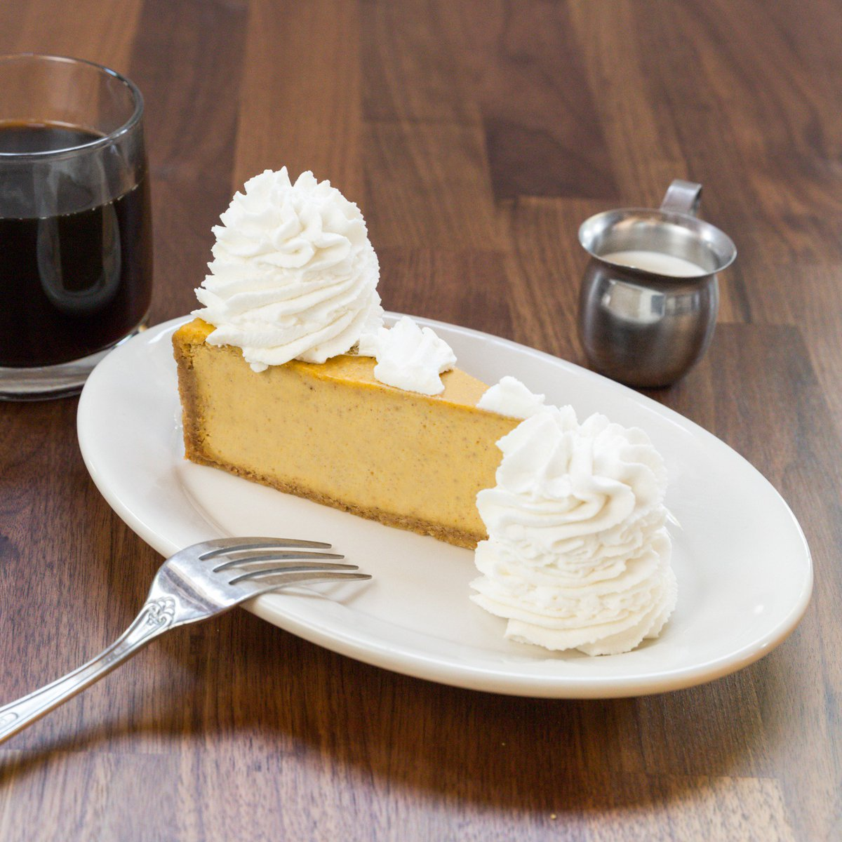 The Cheesecake Factory On Twitter Get Pumped For Pumpkin Cheesecake