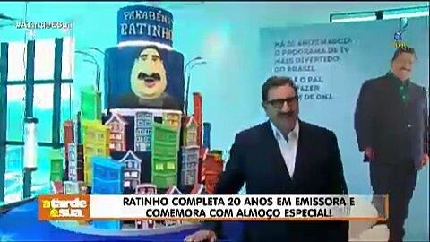 Ratinho completa 20 anos em emissora e comemora com almoço especial! #AtardeESua Foto