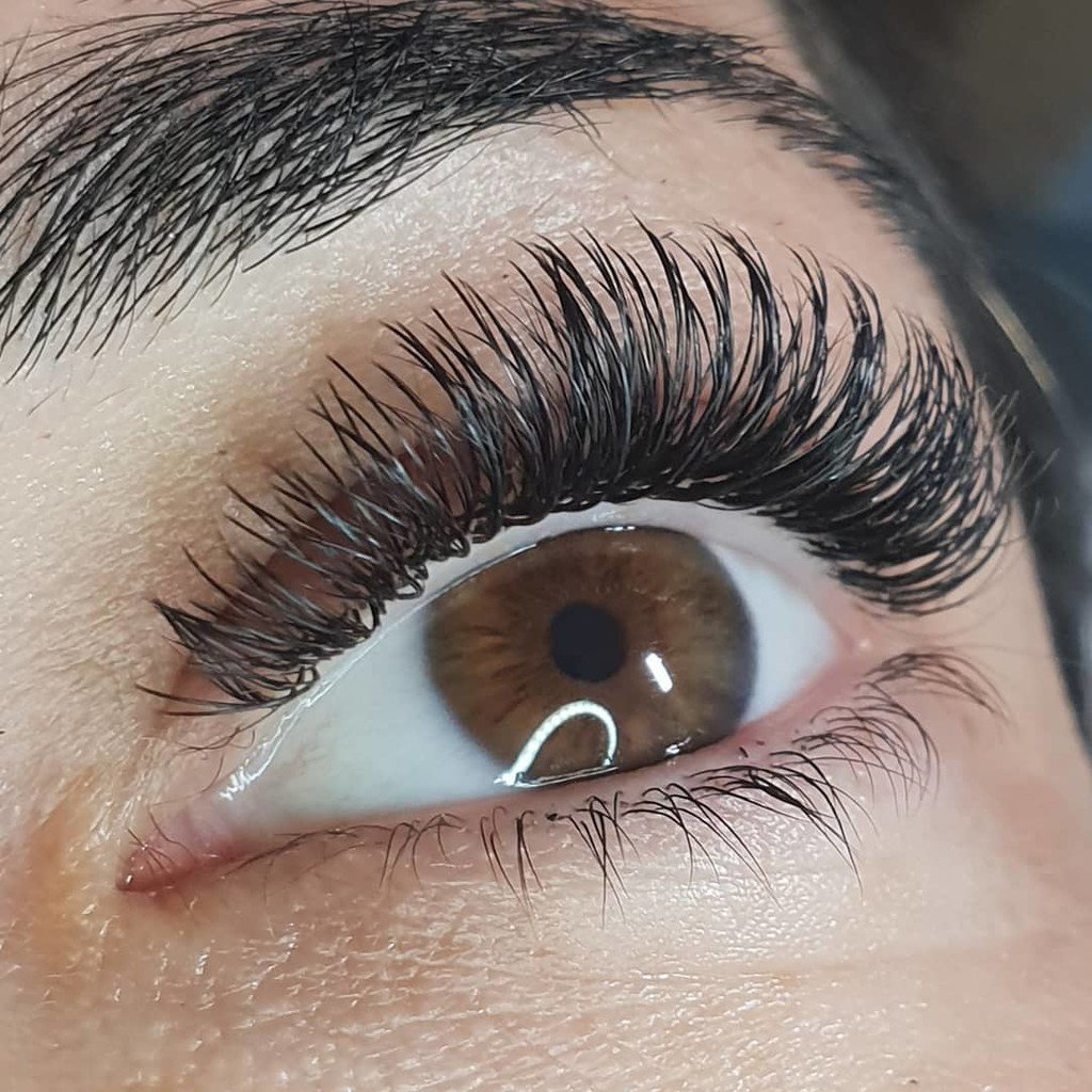 b38aecf24d0 Another gorgeous set from @lashandbrows_instyle using Xtreme Lashes Faux  Mink Bold X50: 0.07 mm diameter and X-Wrap X50: 0.15 mm diameter   7-11 mm  length ...