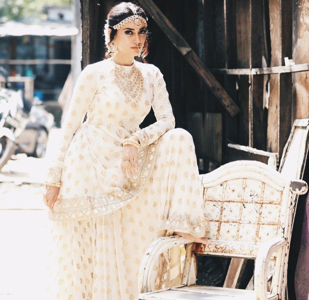 "Surbhi Jyoti's world 😇 on Twitter: ""Beautiful 😍😍 #SurbhiJyoti #naagin3  #Bela… """