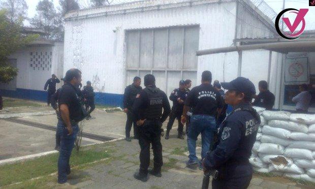 DETENCIONES ILEGALES SE VIVEN A DIARIO EN TUXPAN �� https://t.co/4K61spWsQD #Xalapa #Veracruz #Coatepec https://t.co/nXFkZuCy4Z