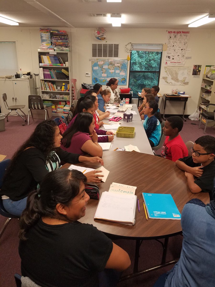 9/11 Day of Service. Barcroft volunteers help all ages of learners at Even Start. Great language practice for all. <a target='_blank' href='http://twitter.com/BarcroftLibrary'>@BarcroftLibrary</a> <a target='_blank' href='http://twitter.com/GabyRivasAPS'>@GabyRivasAPS</a> <a target='_blank' href='http://twitter.com/BiBaChat'>@BiBaChat</a> <a target='_blank' href='http://search.twitter.com/search?q=Barcrofteagles'><a target='_blank' href='https://twitter.com/hashtag/Barcrofteagles?src=hash'>#Barcrofteagles</a></a> <a target='_blank' href='http://twitter.com/APSface'>@APSface</a> <a target='_blank' href='http://twitter.com/APS_ESOL'>@APS_ESOL</a> <a target='_blank' href='https://t.co/RwF0WUYP4D'>https://t.co/RwF0WUYP4D</a>