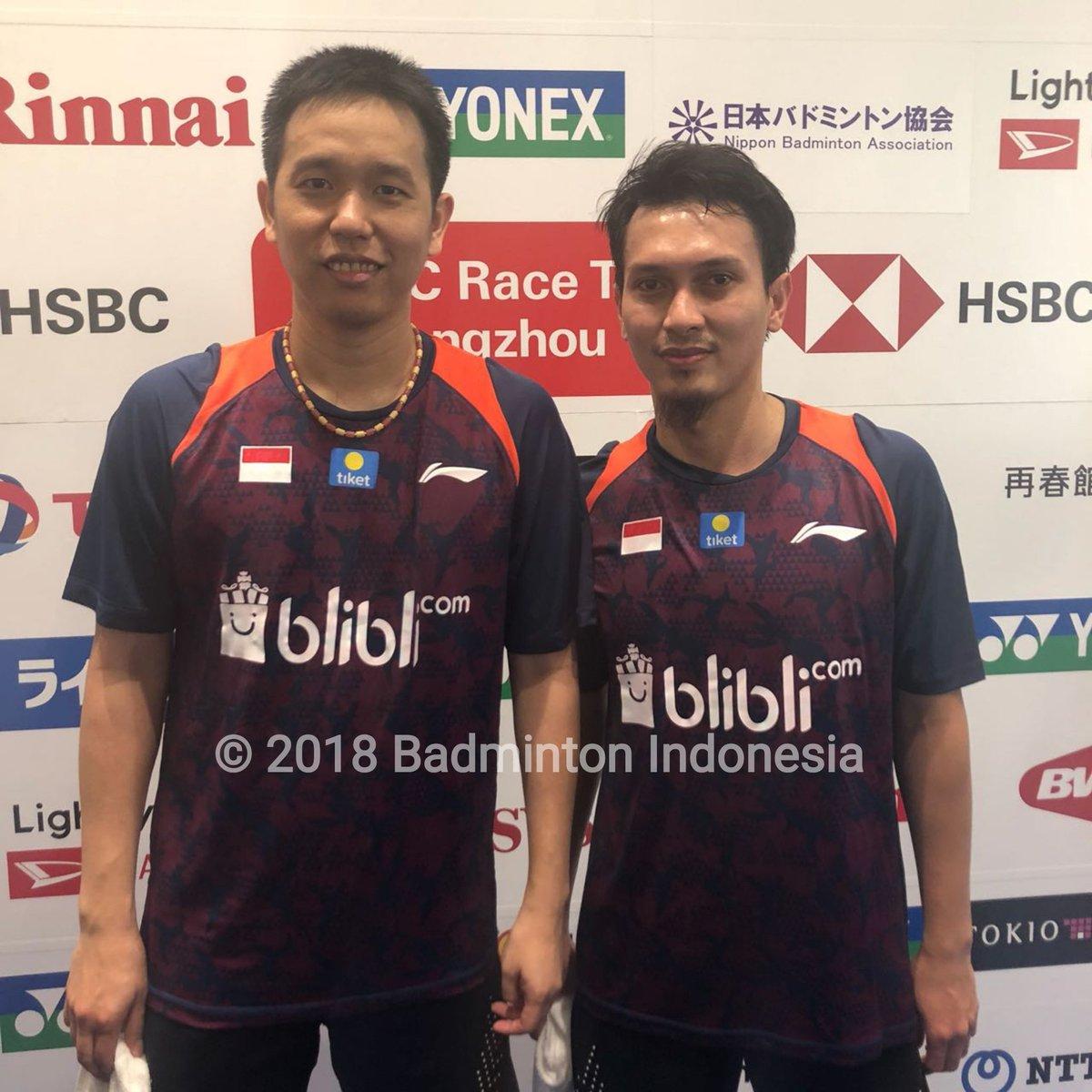 Mohammad Ahsan/Hendra Setiawan foto usai mengalahkan wakil tuan rumah pada bebak pertama Japan Open 2018, Rabu (12/9/2018).