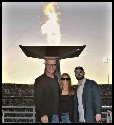 Afl Godfather Ar Twitter Howie Long With His Wife Diane Addonizio Long And Their Youngest Son Howie Long Jr 75 Lit The Al Davis Memorial Torch Https T Co Fwvdhn7irj Contents 2 diane addonizio's net worth and salary 3 who is diane addonizio husband? twitter