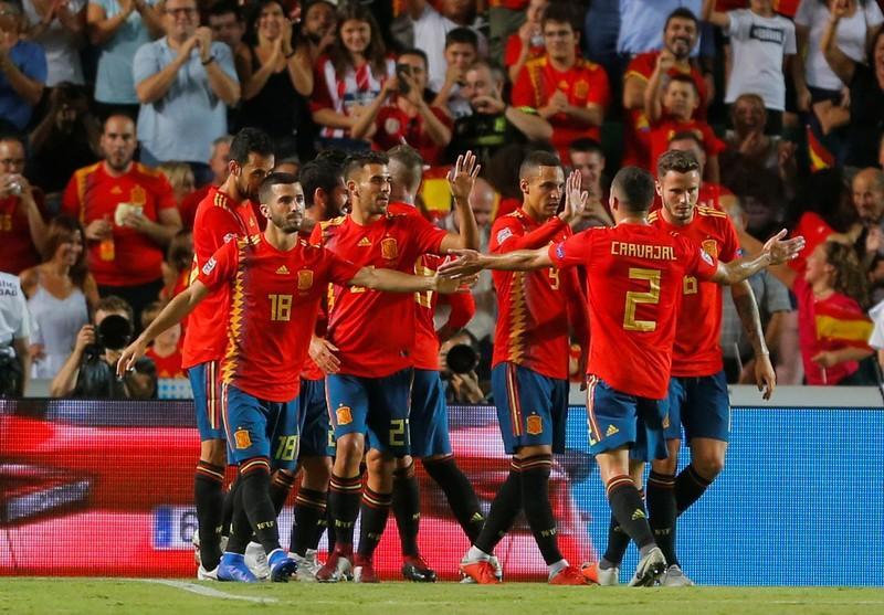 177677643258c Espanha goleia vice-campeã mundial Croácia por 6 x 0  Bélgica também vence  https