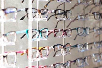 ... chez votre  opticien. Quand changer vos  lunettes  En général, on  change de lunettes lorsque l  850496a75779