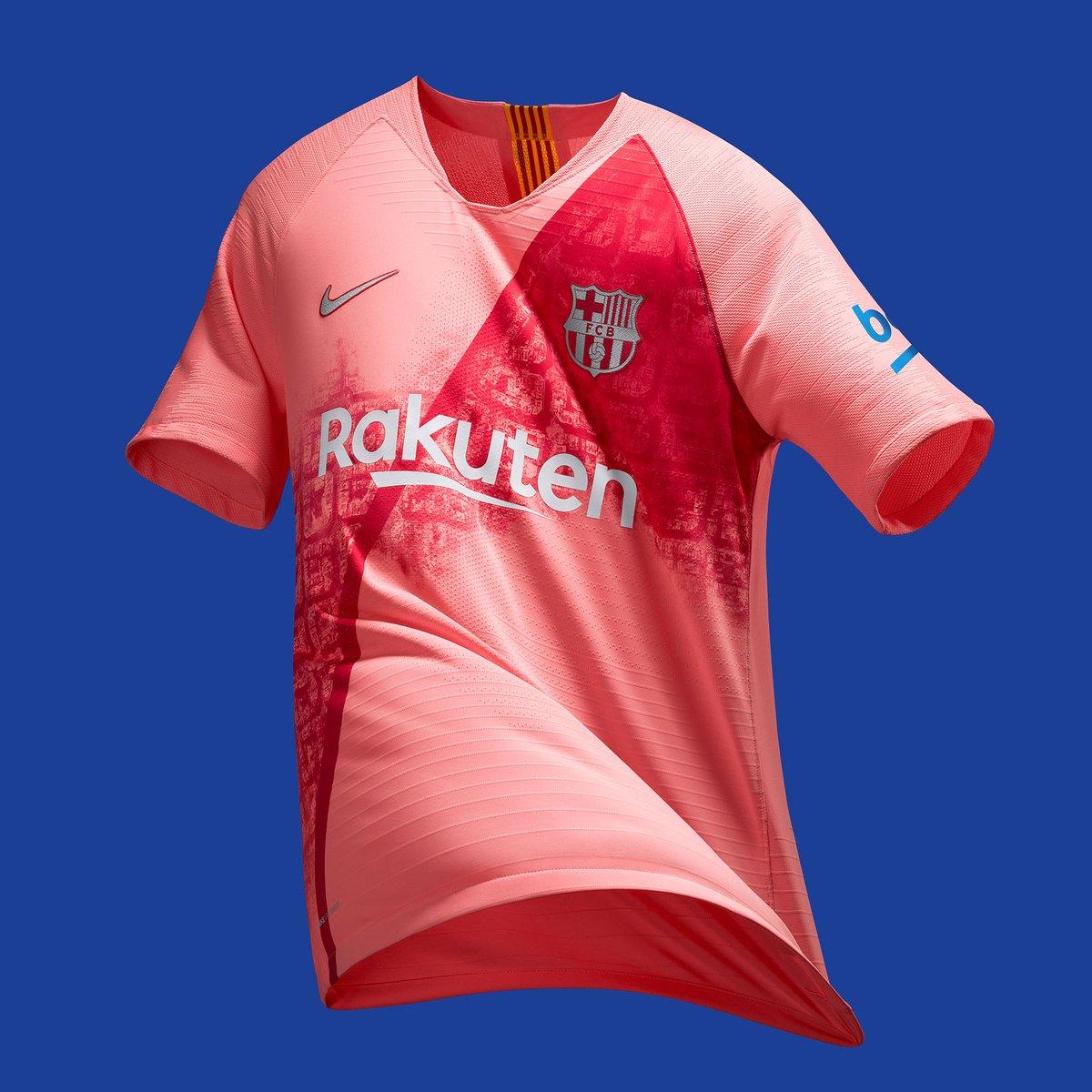 8c9e6c9003d Classic Football Shirts on Twitter