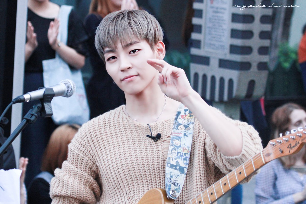 woosung dating Subscribe kbs world official youtube:   kbs world is a tv channel for international audiences provided by kbs, the flagship public.