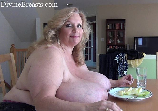 """Divine Breasts on Twitter: """"Suzie 44K Behind the Scenes see more at  https://t.co/ipawGGtwIE… """""""