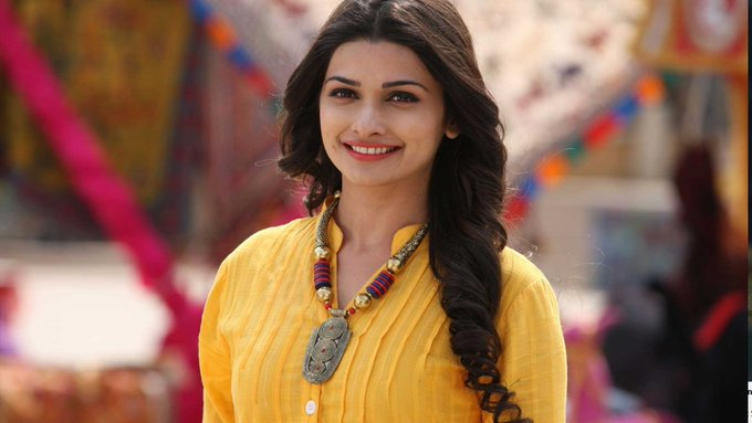 Happy birthday,Prachi Desai 12 September 1998