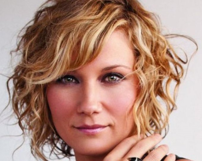A Happy Birthday today to two great artists - Jennifer Nettles and Kelsea Ballerini
