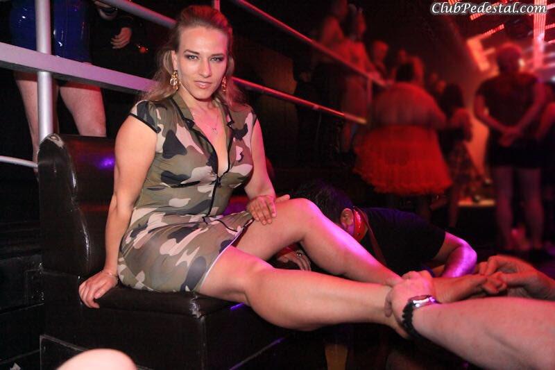 SARAH: Club pedestal domination