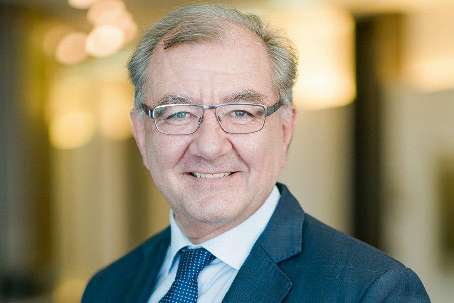"""test Twitter Media - Dr. Walter Eschle, Vorstand @SSK_Augsburg: """"Die #EXPOREAL hat sich zu einer top Business-Plattform für die regionale #Immobilienwirtschaft entwickelt und ist ein wesentlicher Baustein unseres Standortmarketings im nationalen und internationalen Kontext."""" https://t.co/E8o9Shro62 https://t.co/XjJixuTf8S"""