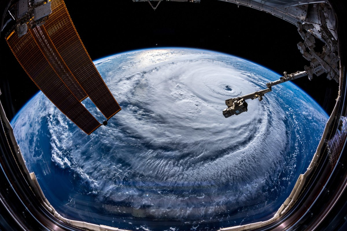 Watch out, America! #HurricaneFlorence is so enormous, we could only capture her with a super wide-angle lens from the @Space_Station, 400 km directly above the eye. Get prepared on the East Coast, this is a no-kidding nightmare coming for you. #Horizons