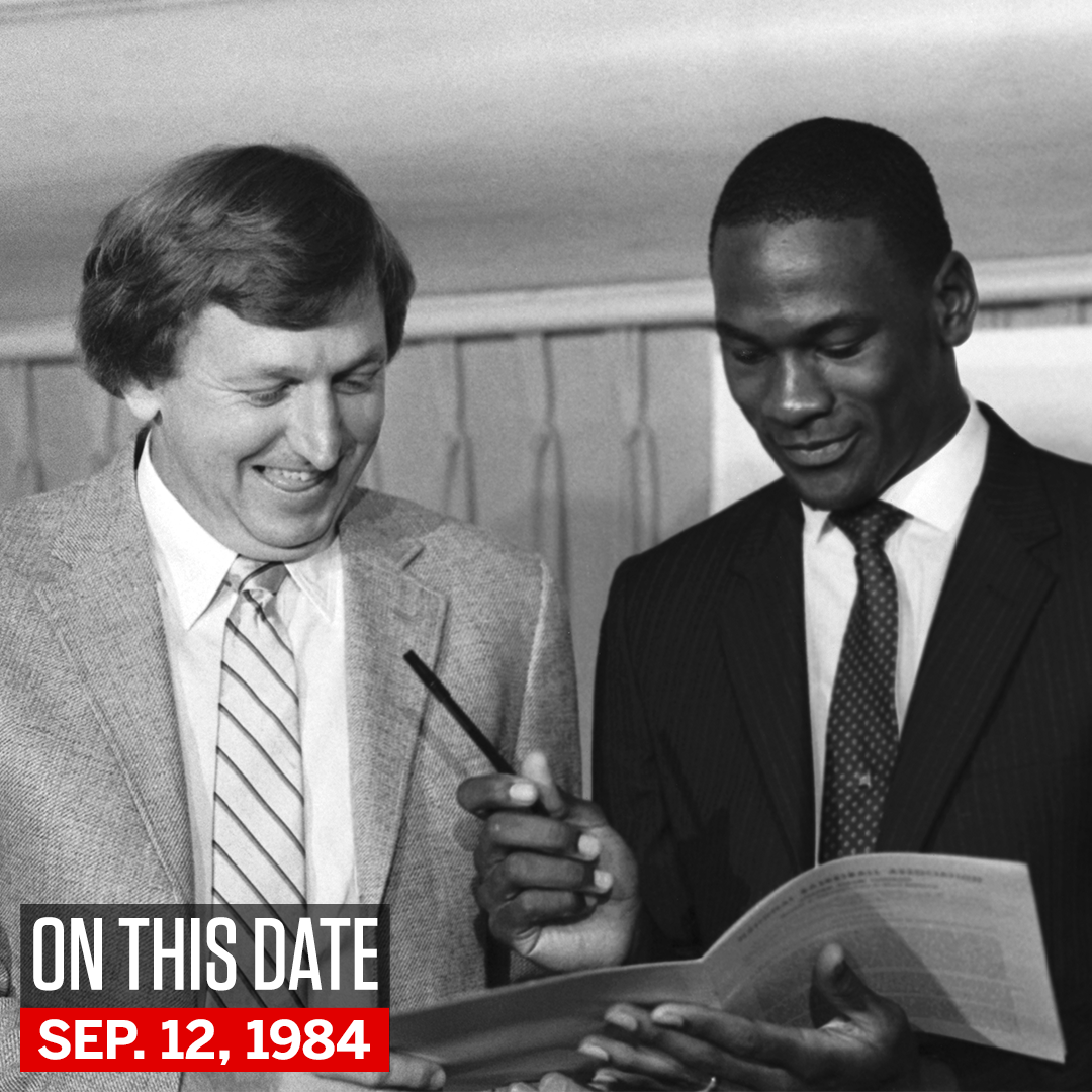 On this date in 1984, Michael Jordan signed his first NBA contract with the Chicago Bulls. https://t.co/EdpwnfAewZ