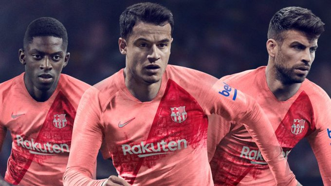#Barcelona presentó su tercer uniforme color rosa. ¿Qué te parece? Fotoğraf