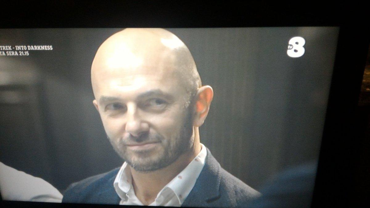 Now Di nuovo in tv puntata #4ristoranti #londonrestaurants #ale4ristorantiRistoranti italiani terzo millenio Il ligure Roberto....e anche generoso....  - Ukustom