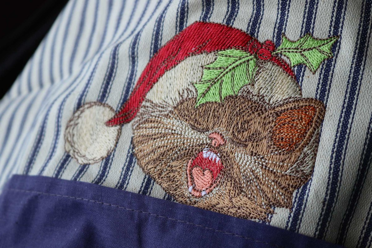 Embroideres Studio On Twitter Christmas Kitchen Apron With Cat