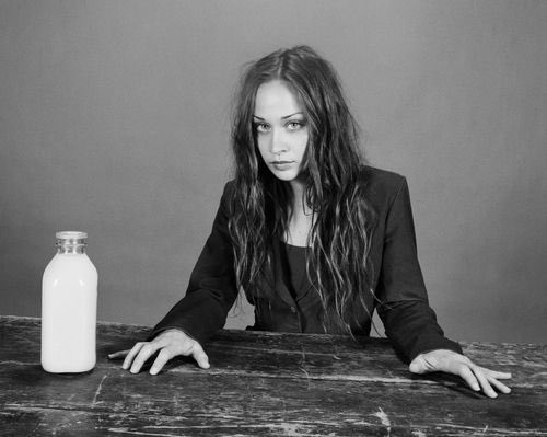 HAPPY BIRTHDAY FIONA APPLE  that s all thanks