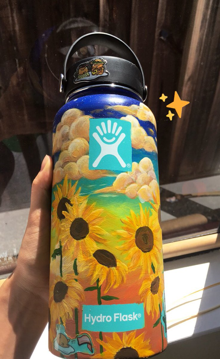 Zelina On Twitter Hewwo I Was Inspired By Yvonnabonn S Hydroflask Idea And So I M Adding This Here Bc I Painted My Hydro With My Favorite Flowers And I M Really Happy