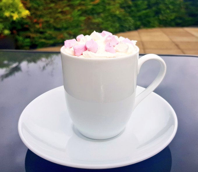 A hot chocolate a day keeps the sadness ☕ #ThursdayThoughts Photo