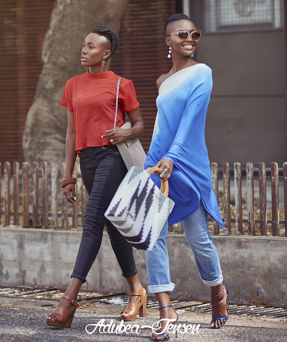 #FriendshipGoals Friends that slay together stay together. Find one for you and your girlfriend👩❤️💋👩  The side Bags and Totes are available at our shop in Labone 4th Soula Street, North Labone, Accra . Tel. +233 206 358788 Tel. +233 233 358788  #BeadsBags #Handmade #Beads