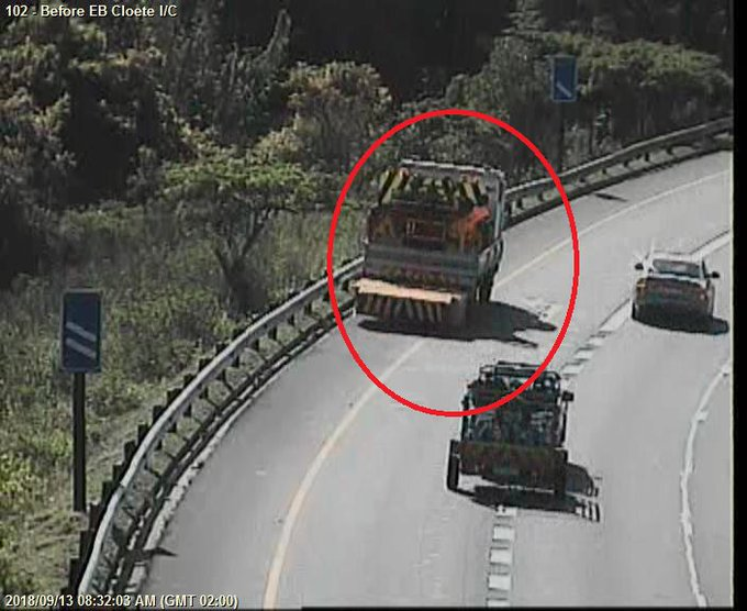(Ongoing) Routine Road Maintenance; N3 to DBN before EB Cloete I/C; Left lane closed; Drive carefully. … … Photo