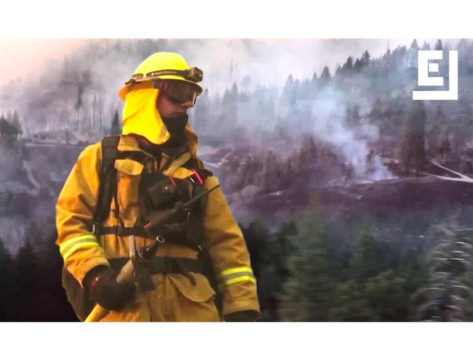 カリフォルニアの山火事、消火活動には人もテクノロジーも総動員 #災害 #サイエンス #人物 #海外 https://t.co/EmQxG5MGFD