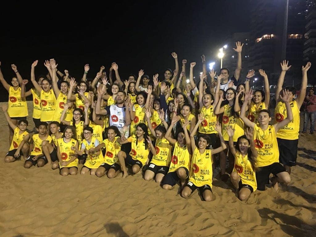 Ontem inauguramos o segundo núcleo do projeto 'A Grande Sacada', na praia de Itapuã, aqui em Vila Velha (ES). Feliz por ser padrinho e já temos 60 jovens e crianças inscritas. O esporte é o maior aliado da educação pelos valores, uma ferramenta importante de transformação social. https://t.co/uEYf7hM06w