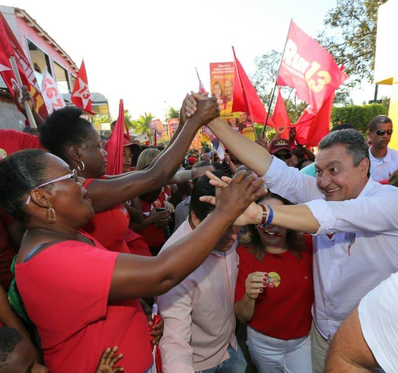 A correria continua em #Araçás e a motivação da galera não diminui não! Não tem ninguém cansado! pic.twitter.com/gj2PHLQ4rr