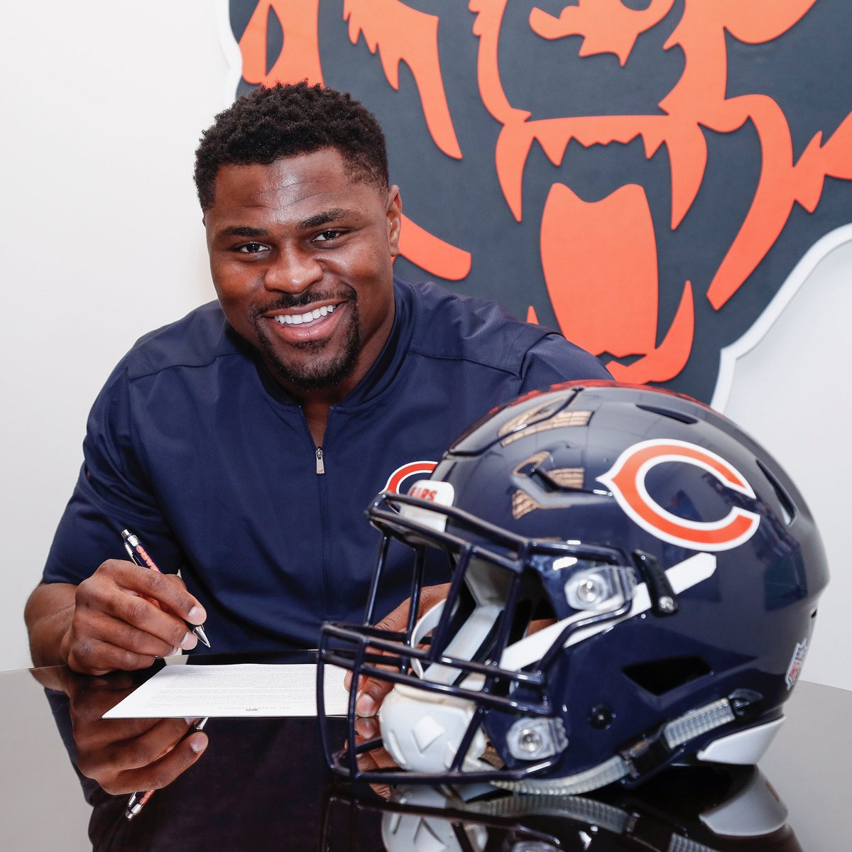 online retailer 48214 f2a19 Chicago Bears on Twitter: