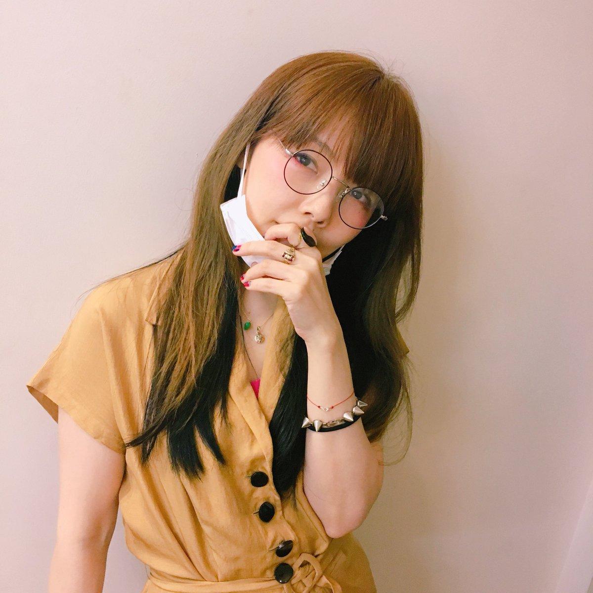 aikoまるメガネが可愛い