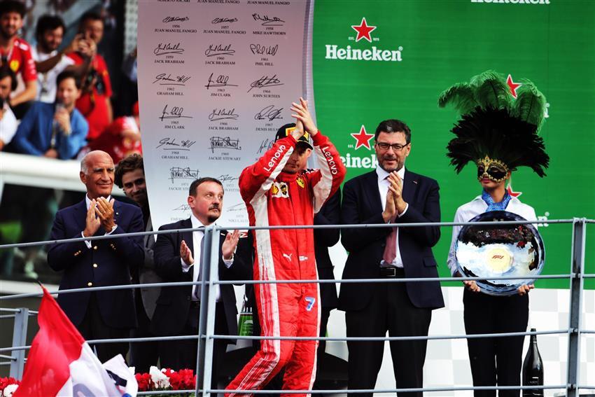Hamilton nyerte az olasz futamt, Kimi és Bottas előtt