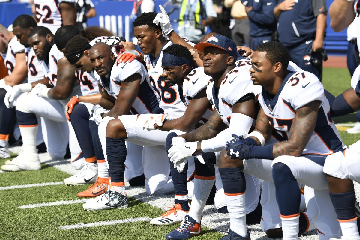 why nfl players kneel and why its greatly misunderstood Some members of the san francisco 49ers kneel during the national anthem before a game against the washington redskins at fedex field on october 15, 2017 in landover, maryland.