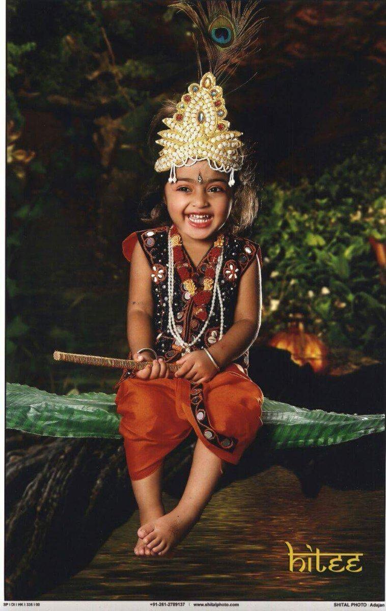 @SrBachchan    Jay Ho... #HappyJanmastami To All Of You... Ye Hamara #NatkhatNandlala... Life Time Memorable Photos  📸 Of Hitee. Love You So Much..