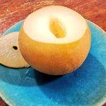喉の痛みにお試しあれ蒸して食べる梨のデザートが美味しそう!