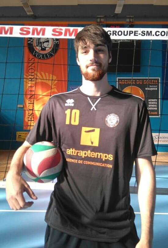 L''international espagnol 🇪🇦Alejandro Vigil-Gonzalez a débuté ce lundi son...