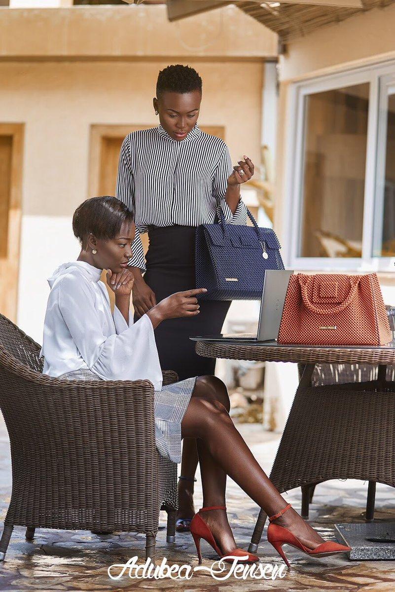 #AdubeaJensen Handbag goals to start the week! . . #AdubeaJensen #BeadsBags #Handmade #Handbags #AccessoryDesigner #HandbagDesigner #Beads #Accessories #MadeinGhana #GhanaianDesigner #MadeinAfrica #AfricanInspired #mondaymotivation #MondayStyle #mondayfashion