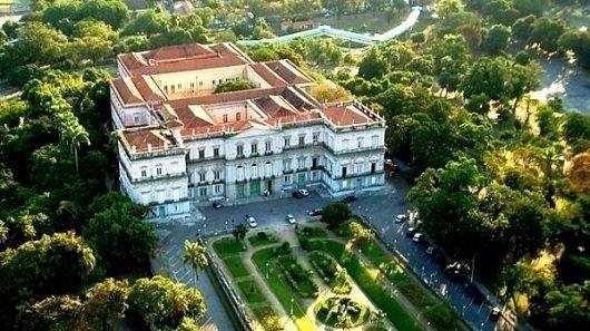 #LutoMuseuNacional @fiocruz divulga nota de solidariedade à @ufrj pela tragédia no @MuseuNacional https://t.co/lOn7I81cj0