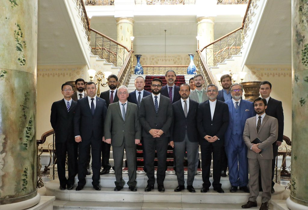 AFG NSA Dr. @hmohib met on Monday with the ambassadors of the central Assia and the Gulf States at Delkosha Palace of @ARG_AFG . D visiting dignitaries laid emphasis on deepening mutual ties and continued cooperation of their states with Afghanistan.