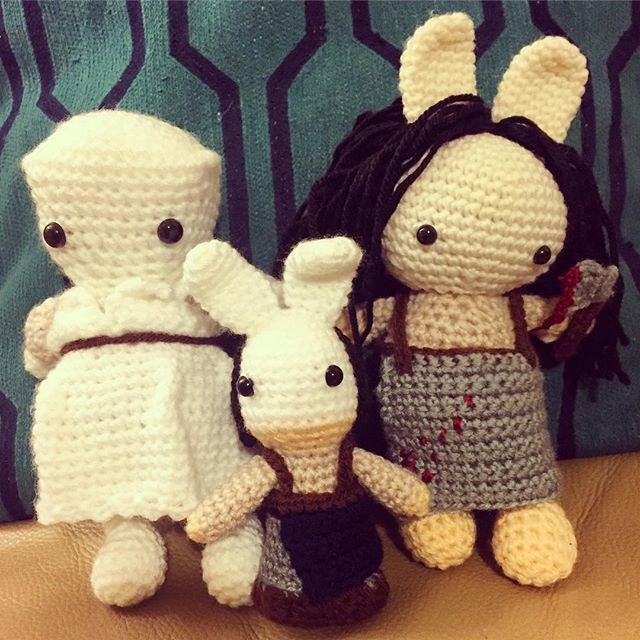 Show your support: nurse doll crochet pattern - De Haakhoek | 640x640