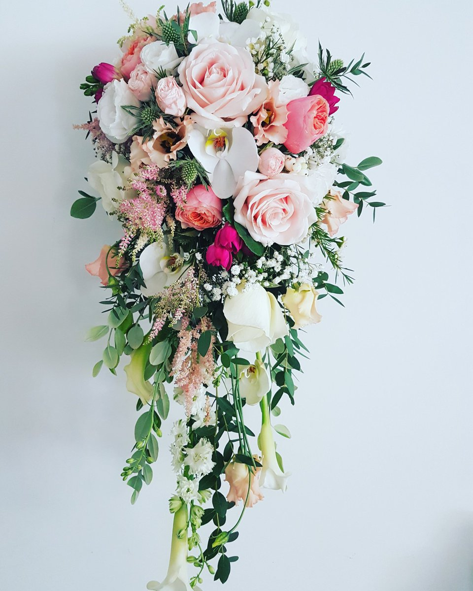The flower hall on twitter wedding bouquet perfection when you the flower hall on twitter wedding bouquet perfection when you get the nicest bride and she deserved the nicest bouquet congratulations to jasmine and izmirmasajfo