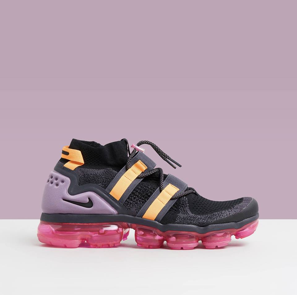Just that touch of extra that your outfit needs... @nike Air VaporMax Flyknit Utility. 😈  Shop sneakers > https://t.co/YGVtg7hqmo  #sneakerhead #nike https://t.co/PoGkTGVdPk