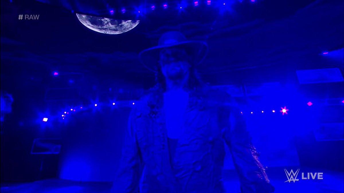 THE DEADMAN IS HERE.  #RAW #Undertaker