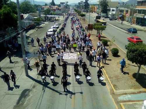 .@Pemex se niega a clausurar tomas clandestinas de huachicoleros https://t.co/ftZc9w9AYp https://t.co/HqNQUkSCta