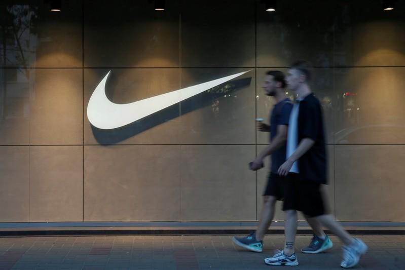 Nike macht trotz Trump-Kritik Werbung mit Football-Spieler Kaepernick