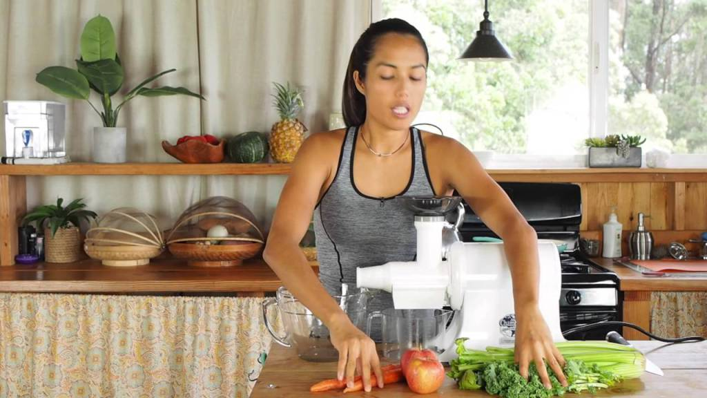 Juicing Recipes – Celery, Kale, Carrots, Apples https://t.co/WVLCVgYa4X https://t.co/q125f5Esch