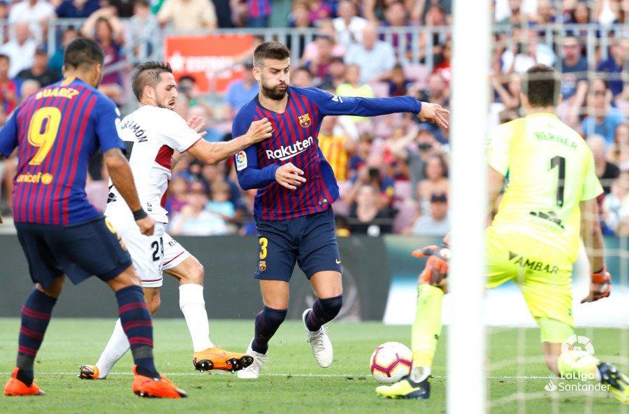 صور مباراة : برشلونة - هويسكا 8-2 ( 02-09-2018 )  DmPrJGLXgAAgVH5